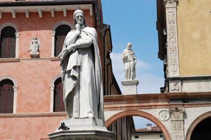 Piazza Dante (foto Giorgio Montolli)