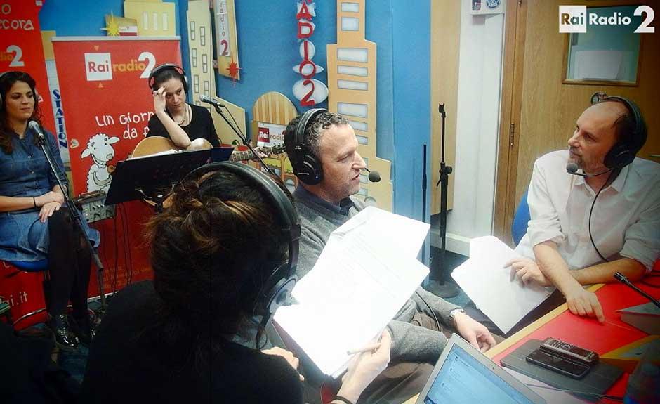 Flavio Tosi durante la trasmissione radiofonica Un giorno da pecora