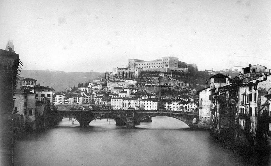 L'Adige verso Castel San Pietro prima dei lavori sul tronco urbano del fiume (Foto M. Lotze)
