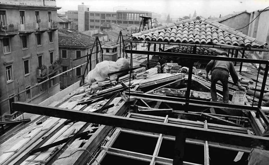 1967, Restauro del tetto di Palazzo Giuliari (Verona)