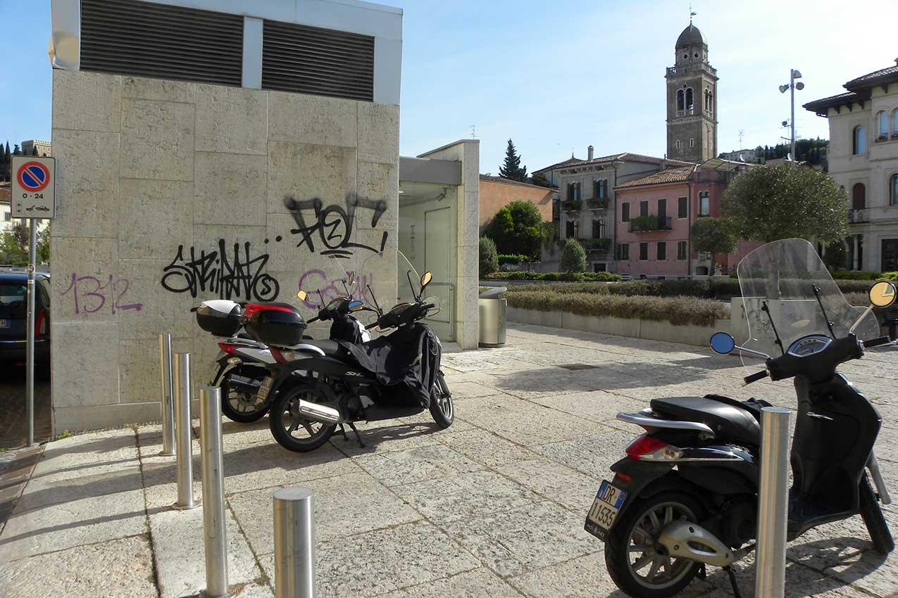 Piazza Isolo (Verona)
