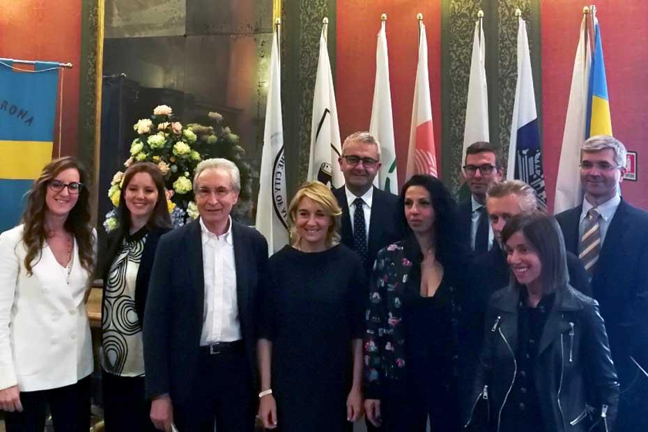 Al centro Giampaolo Savorelli, Francesca Briani, Elisabetta Fadini