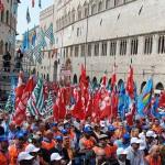 CGIL, CISL e UIL in piazza Bra contro i bombardamenti turchi