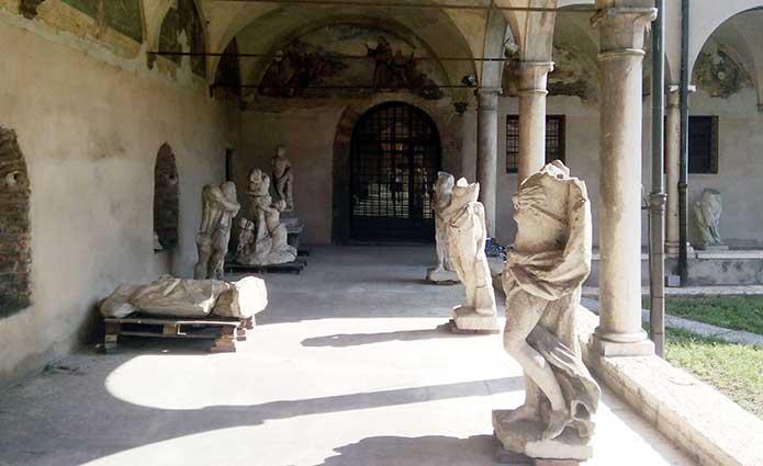 Il Chiostro di San Fermo (Verona)