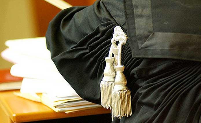 tribunale-toga-giustizia