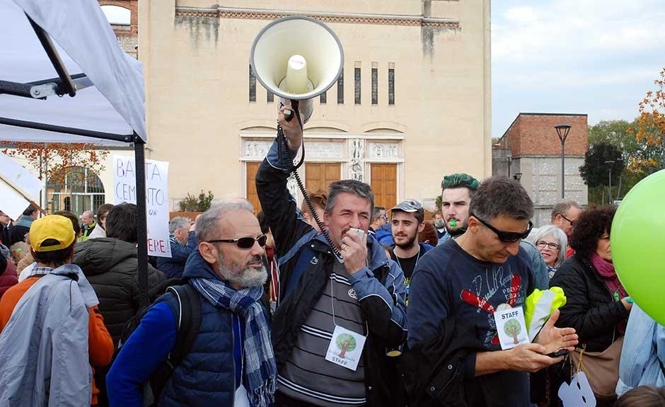 Verona Sud in piazza il 22 ottobre 2016 per il Parco allo Scalo ferroviario