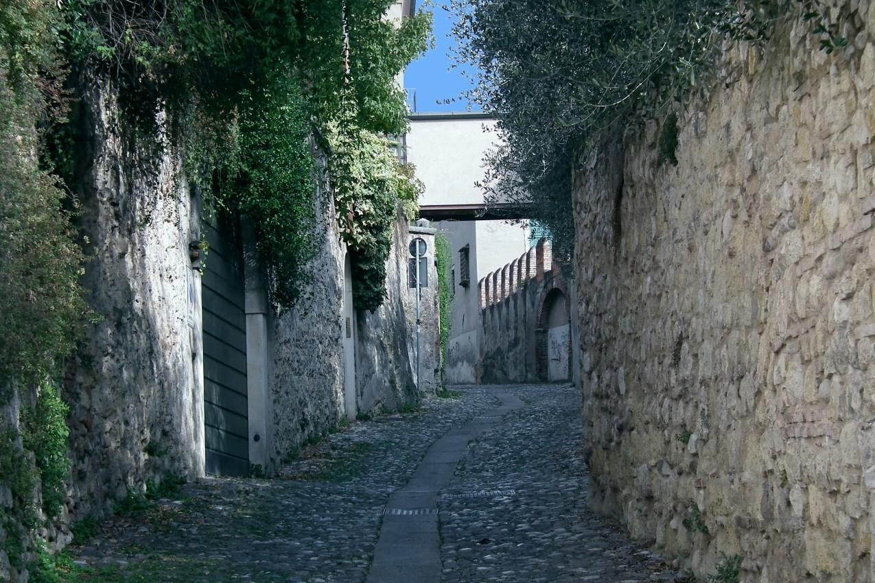 Verona - Via Fontane di sopra - San Giovanni in Valle