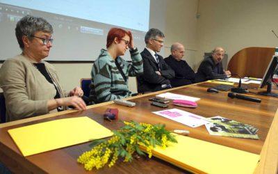 Marta Castiglioni (Cisl), Paola Zamboni (Cisl), Adriano Tomba (Cattolica), Massimo Castellani (Cisl), Giorgio Gosetti (UniVR) (Foto Verona In)