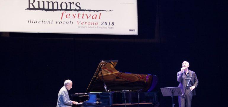 Peppe Servillo e Domenico Rea - Foto di Giancarlo Beltrame - Rumors illazioni vocali - Teatro Romano - Verona