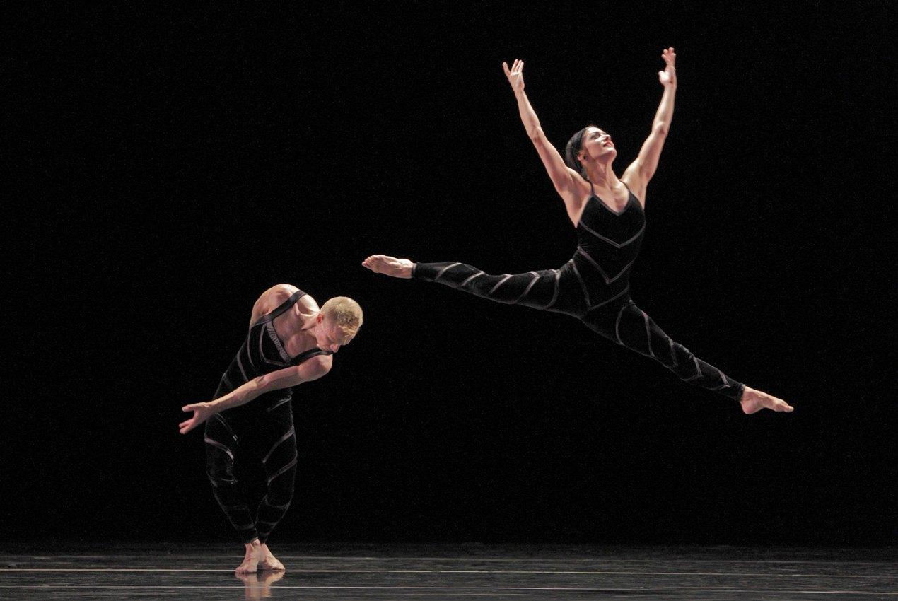 Paul Taylor Dance Company - Promethean fire