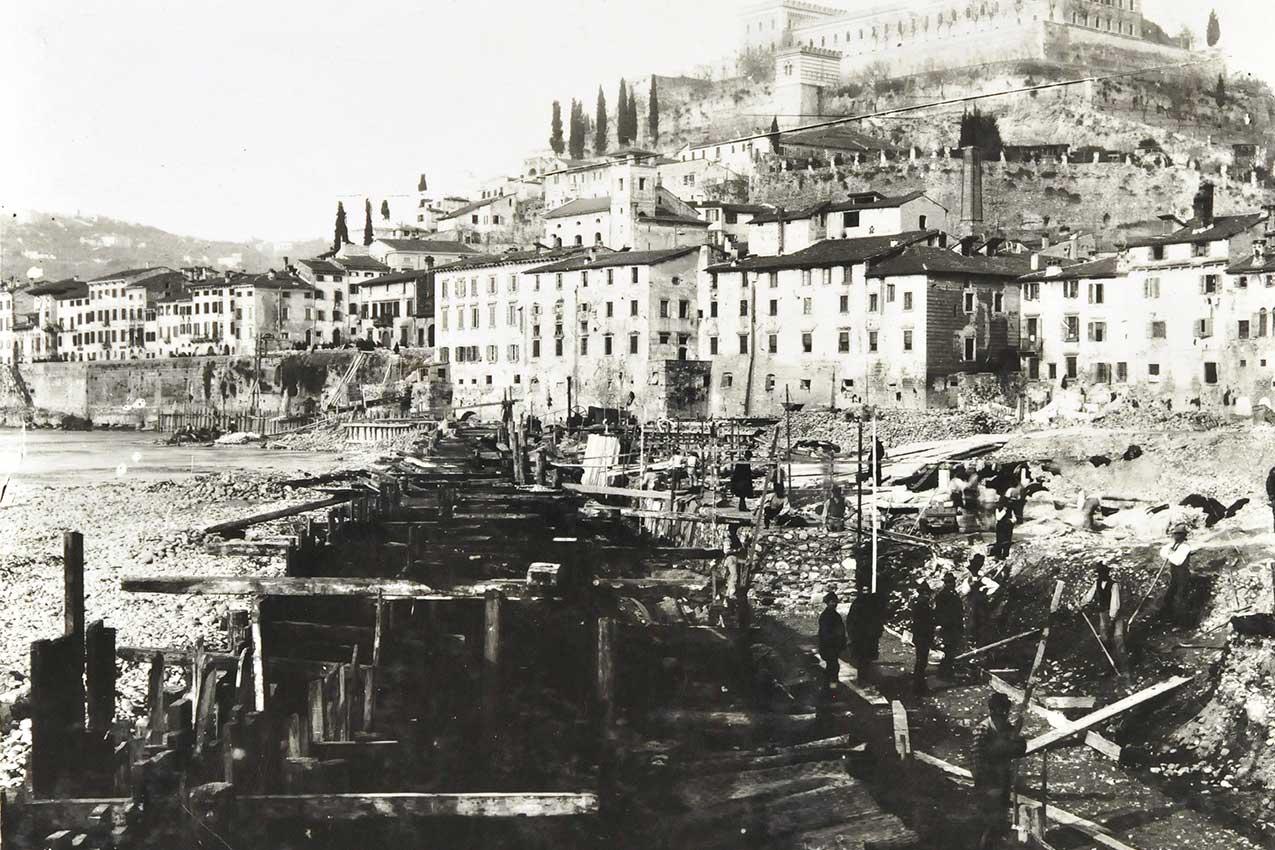 Costruzione dei muraglioni a Verona dopo l'alluvione del 1882