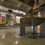 La fontana di via Mazzini, dalla città allo stargate