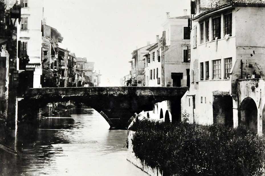 Interrato dell'Acqua Morta, Verona, prima dell'alluvione del 1882