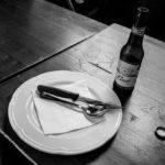 I confini che neppure l'offerta di una birra riesce a valicare