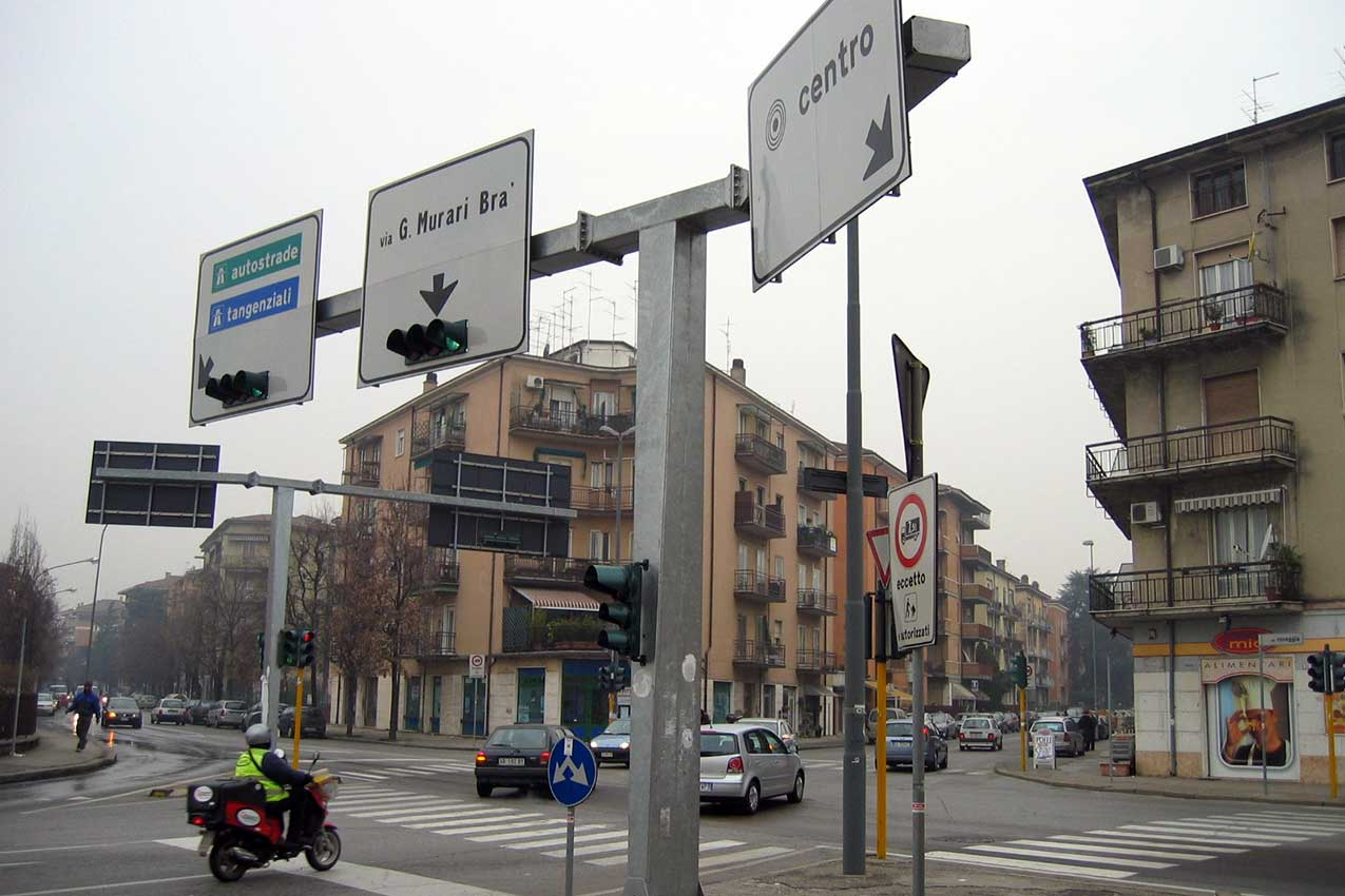 Segnaletica via Scopoli, Verona Sud
