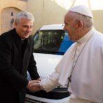 Fiat lux, la disobbedienza civile del cardinale Krajewski