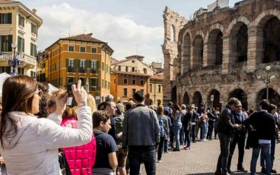 Turisti a Verona