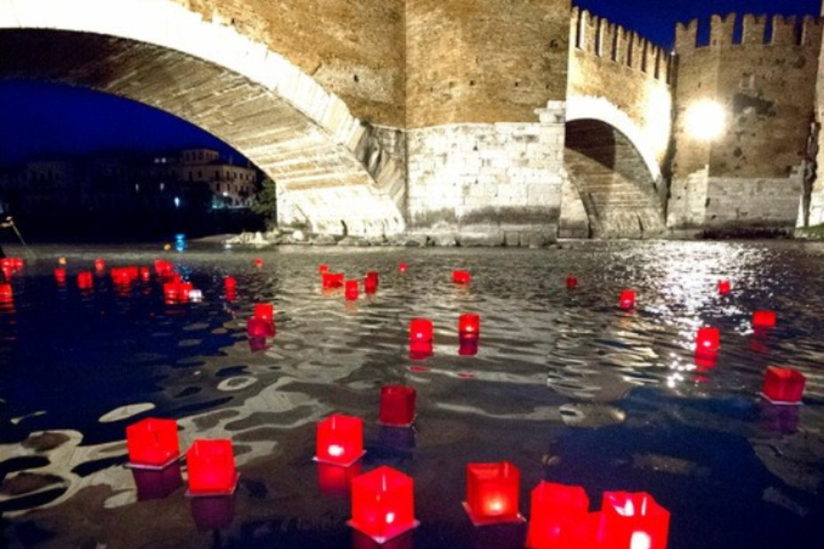lanterne di pace sull'adige