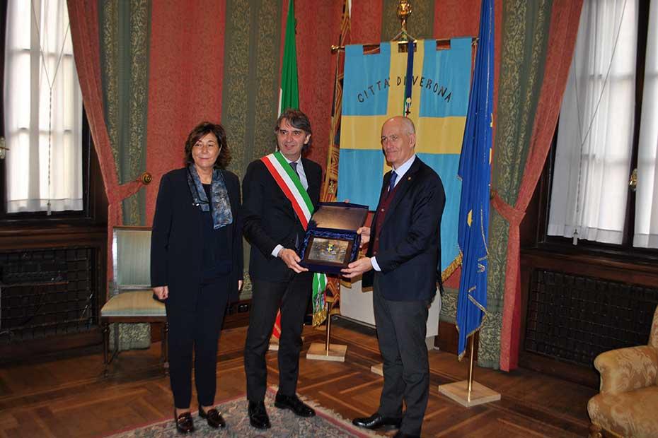 Il Sindaco Sboarina con Franco Gabrielli.