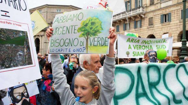 Gli abitanti di Verona Sud manifestano per il verde