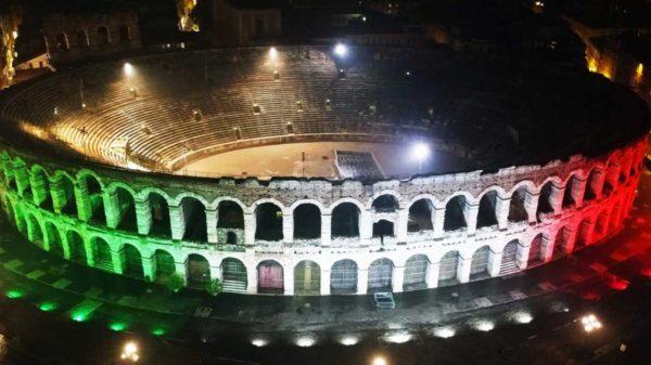 L'arena tricolore per i 100 anni della Sezione ANA di Verona