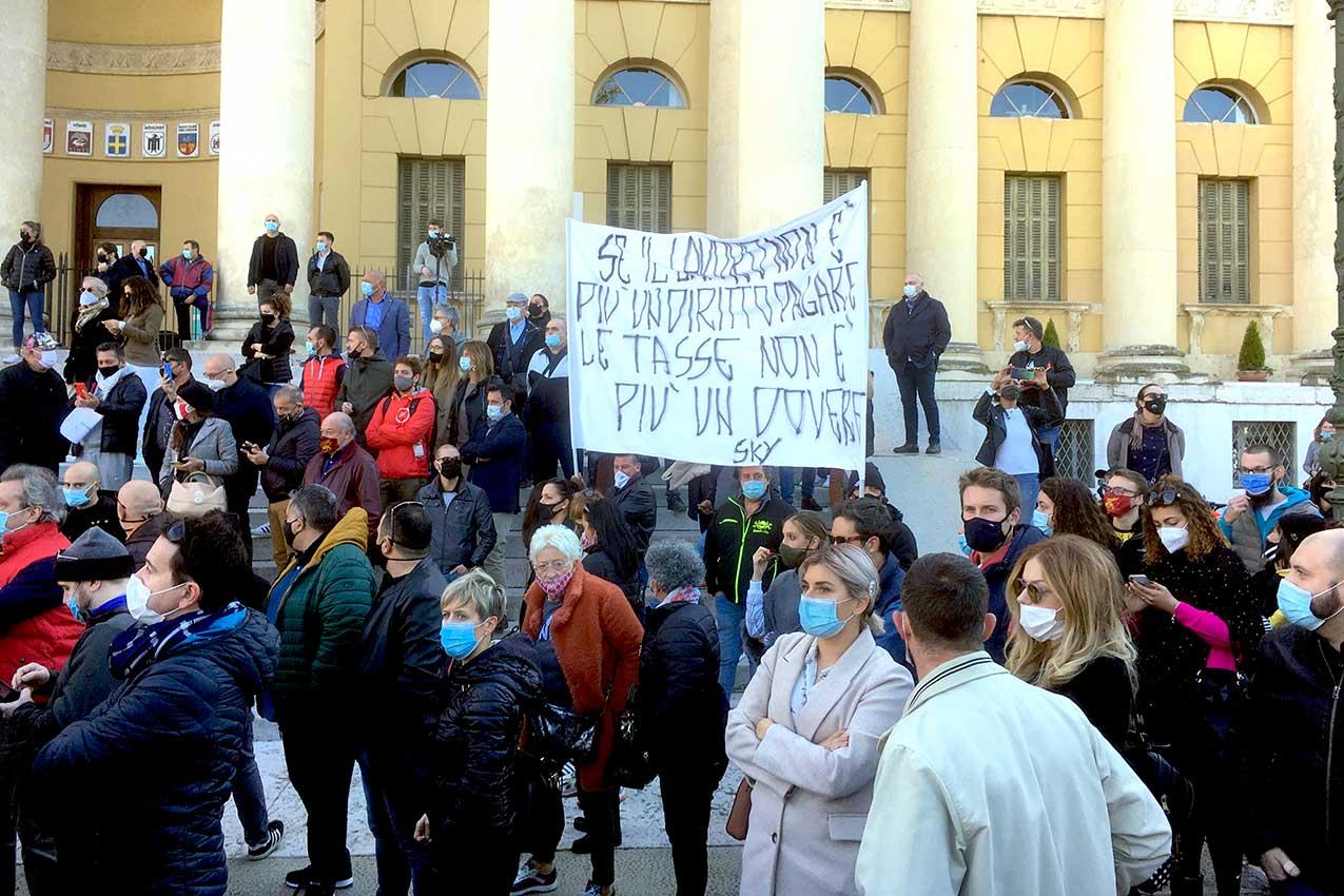 Manifestazione in Piazza Bra