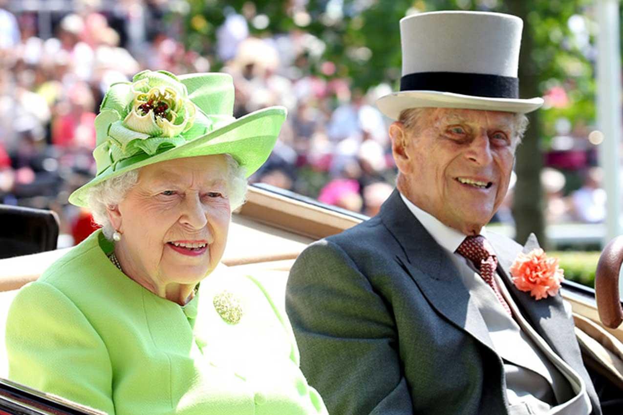 La regina Elisabetta con il marito Filippo di Edinburgo