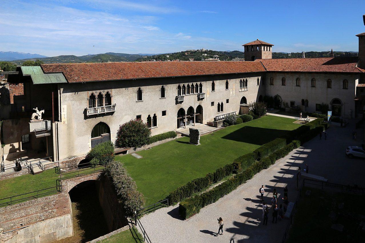 Verona - Museo di Castelvecchio - Corte interna