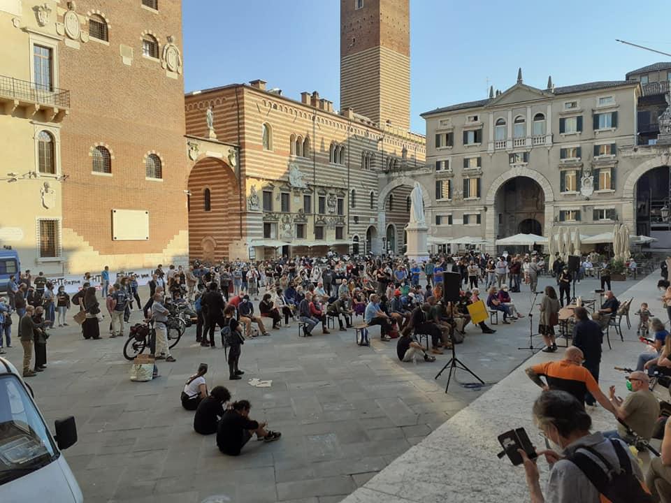Il Laboratorio Autogestito Paratodosil 31 maggio in Piazza Dante a Verona